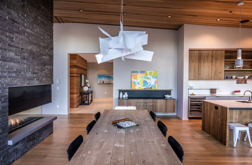 """Lighting plays a major role in achieving the home's warm atmosphere. """"I think lighting makes or breaks a space. I spent a lot of time watching the lighting in the rooms throughout the day,"""" says Giacomazzi."""